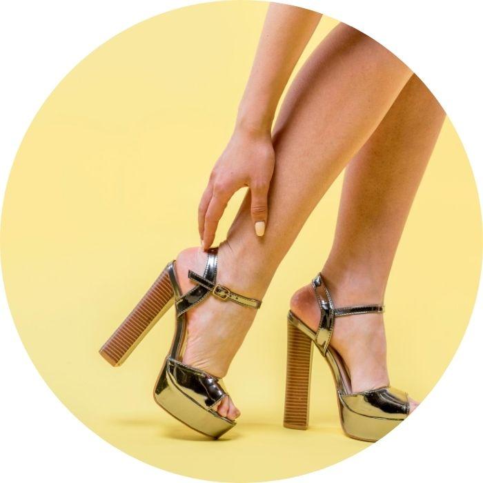 mujer-con-zapatos-tacon-alto-moda